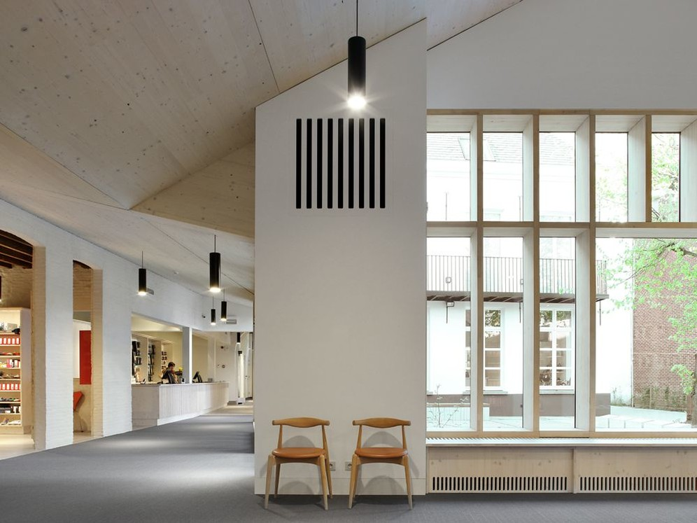 ACROSS : murmuur à Liège © Filip Dujardin / Geel, Pedico, murmuur architecten, 2019